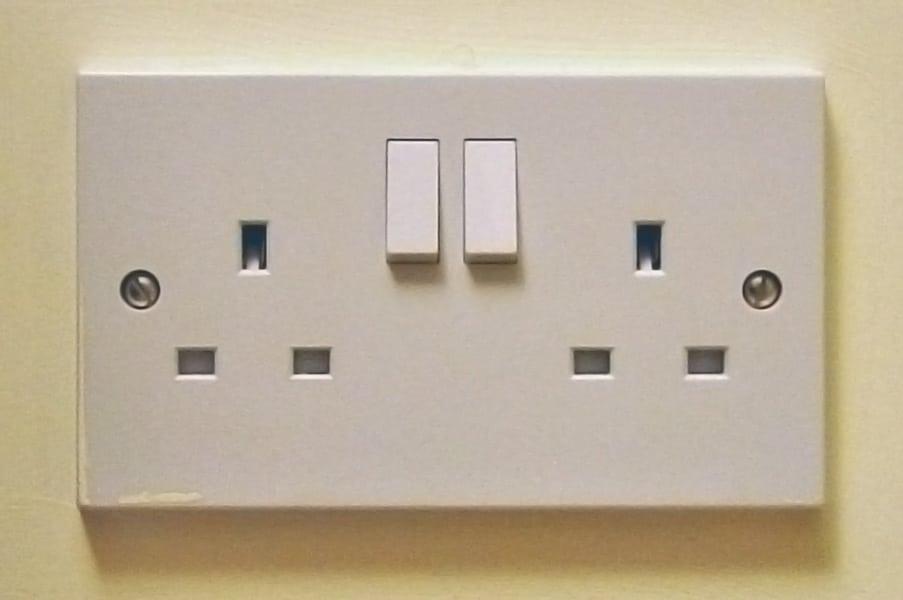 Turn wall plug off